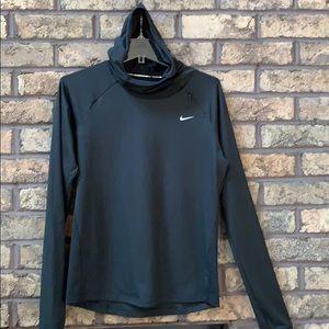 Nike size medium women's running pullover